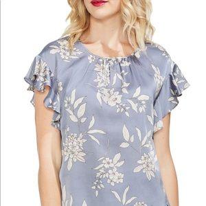 Vince Camuto etched bouquet floral print blouse 🦋
